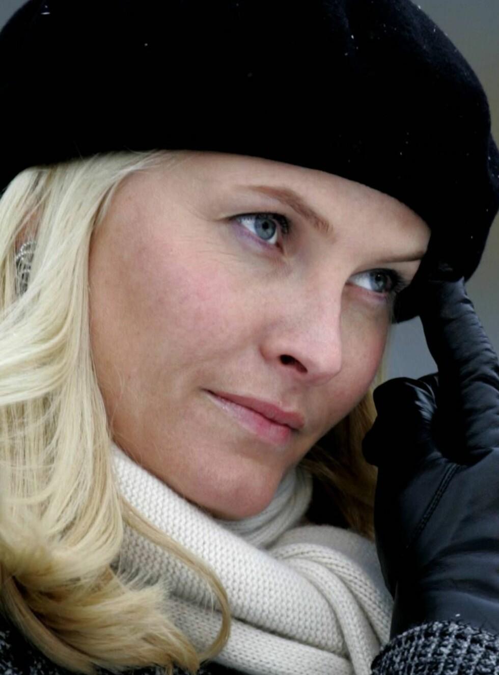 PARODIERT: Snutten av Pernille Sørensen som parodierer Mette-Marit er en av NRKs mest populære klikk. Mon tro hva Kronprinsessen syns om dette? Foto: SCANPIX