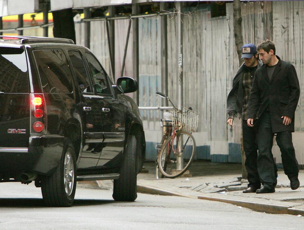 SUV: Her er Jake på vei inn i samme bil som Reese gikk inn i et par minutter tidligere.  Foto: Stella Pictures