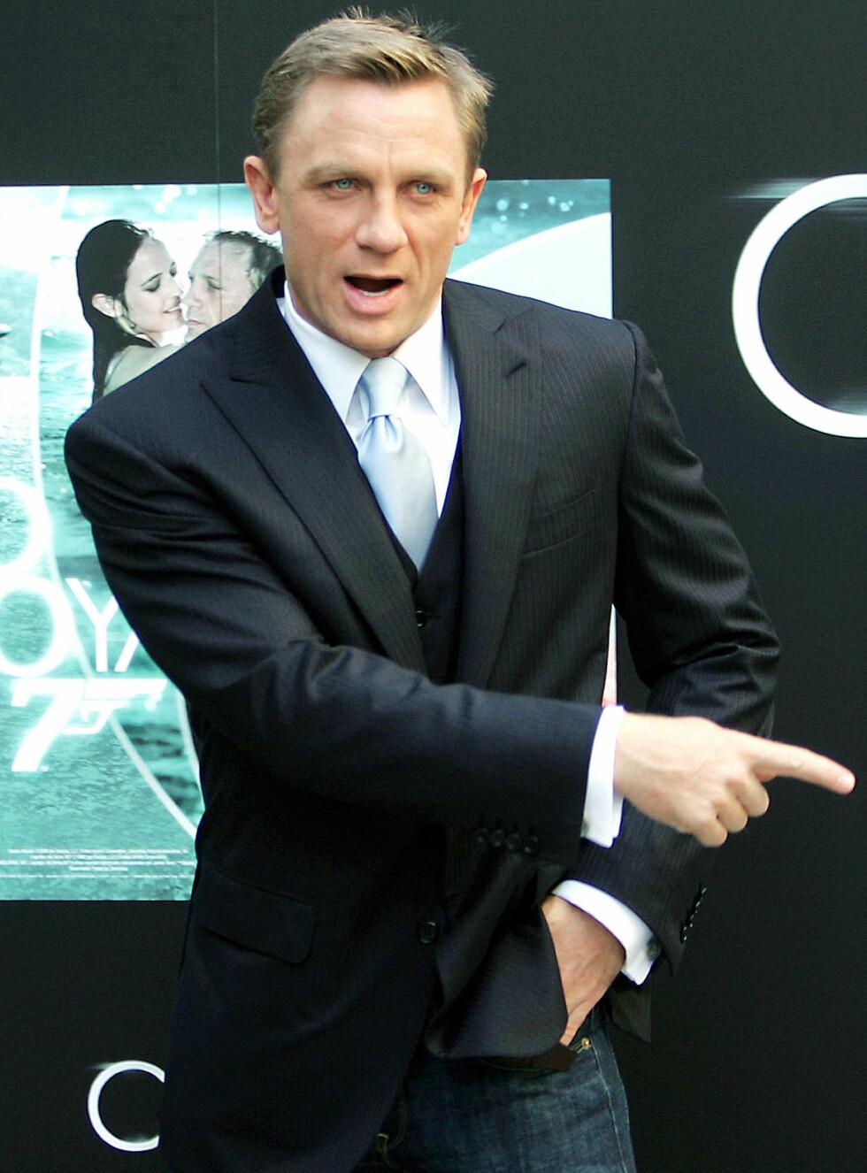 SMELT: Mange pikehjerter smeltet ved synet av Daniel Craig som James Bond.  Nå blir han Satan. Foto: AP