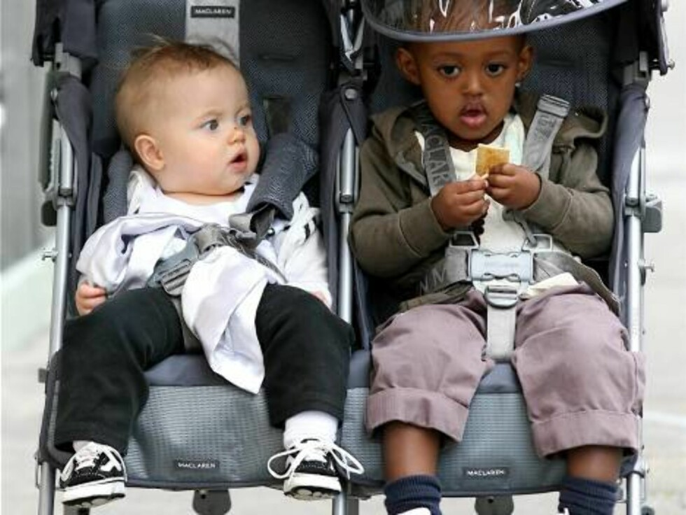 Shiloh and Zahara Jolie-Pitt are taken for a walk in New Orleans by their nanny. Brad Pitt is in New Orleans shooting his new film, The Curious Case of Benjamin Button.  Picture by: Juan Garces/Splash News   Ref:   JGFL 240207 A  Splas Foto: All Over Press