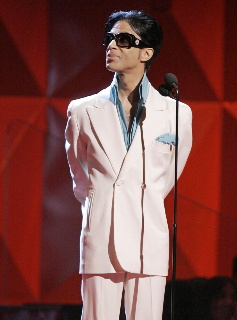 DEN LILLE PRINSEN: Prince mener at sexy aldri har forlatt oss... Foto: AP