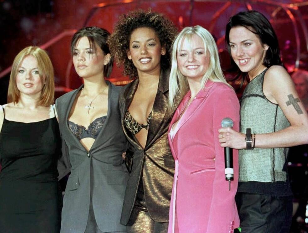 FEM: Melanie (t.h) var svært tynn under Spice Girls-perioden, og langt i fra lykkelig.  Foto: AP/Scanpix