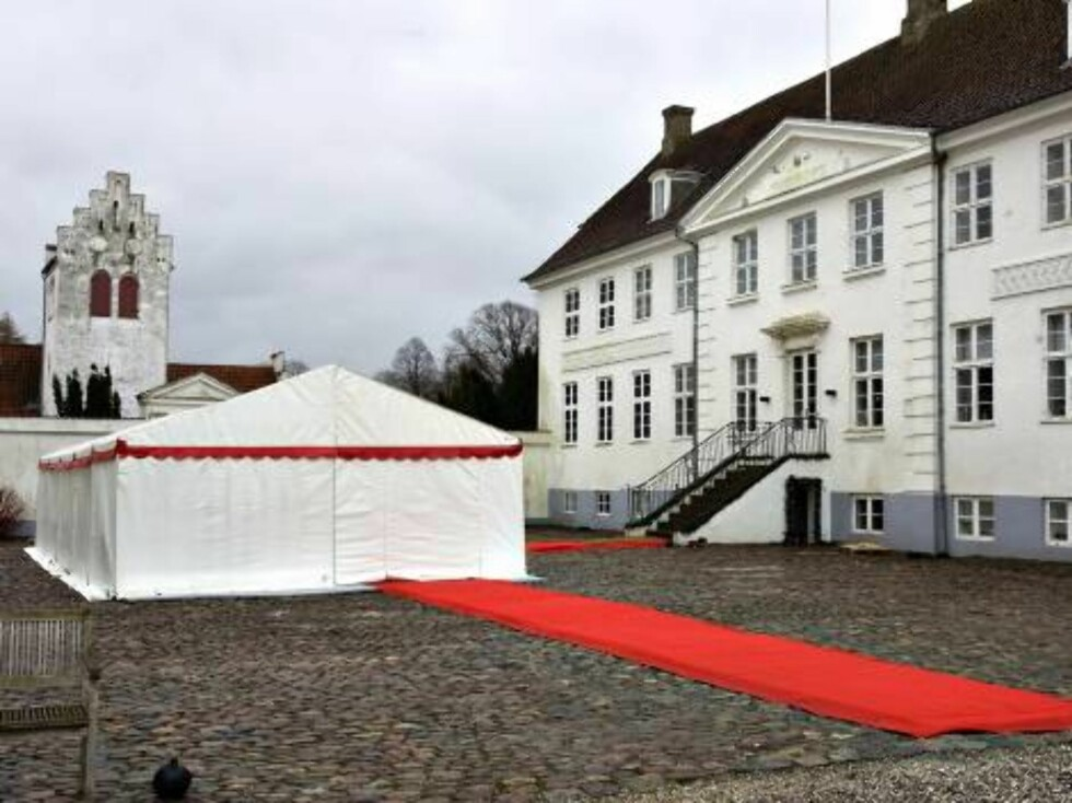 FAKSE, DENMARK 2007-03-01. The wedding of Princess Alexandra and  Martin Jorgensen takes places at ÿster Egede Church with subsequent dinner-party for 120 guests at the nearby Jomfruens Egede manor.  In our pic. Preparations for the wedding at The Manor  Foto: Stella Pictures