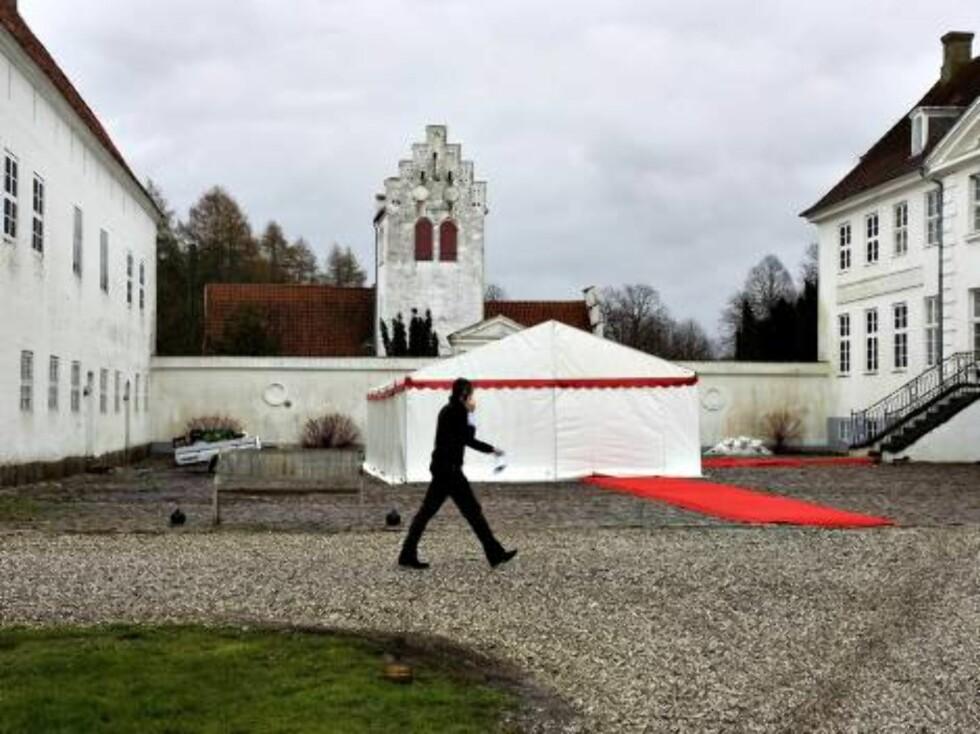 KONGELIG BRYLLUP: Alt er på plass til prinsesse Alexandras store bryllupsfest lørdag.