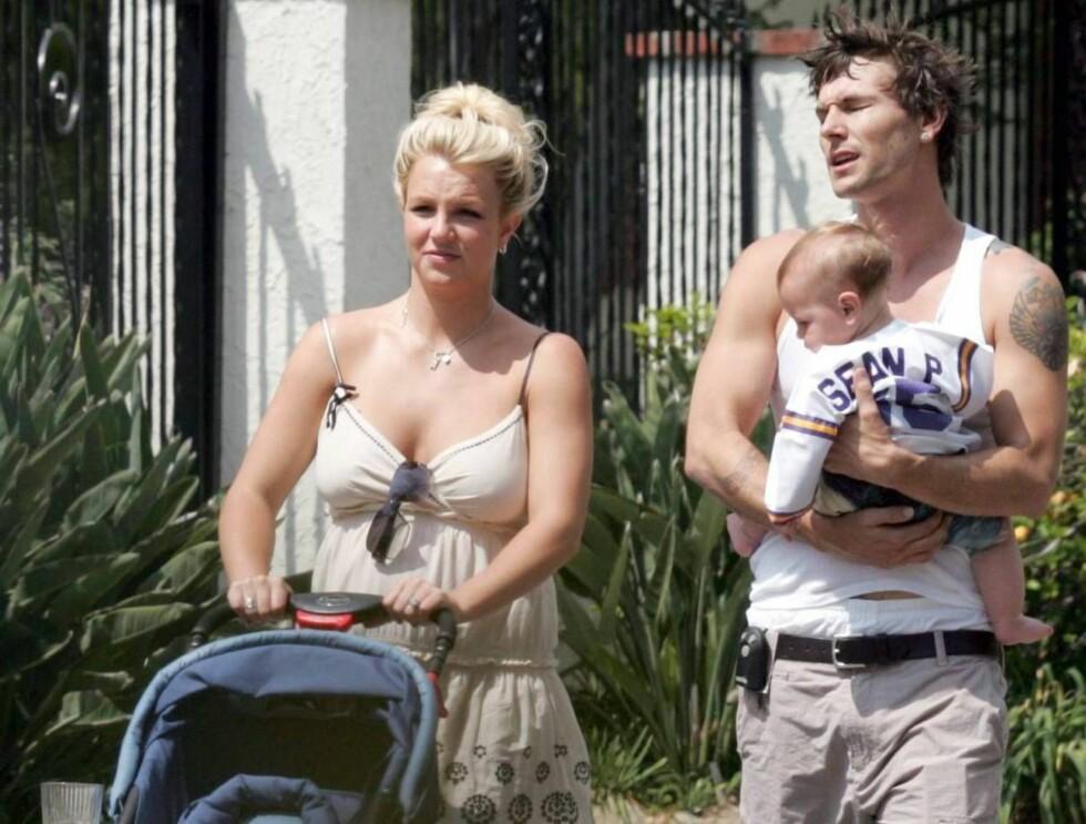 GIR BORT BARNA: Kevin har ansvaret for sønnene mens Britney er til avrusning. Foto: All Over Press