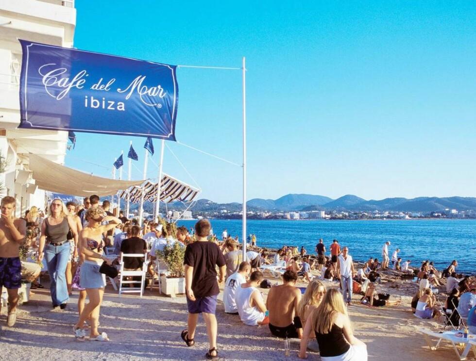 LEGENDARISK: Café del Mar på Ibizia er verdenskjent, blant annet takket være en serie flotte CD-plater. Foto: Se og Hør