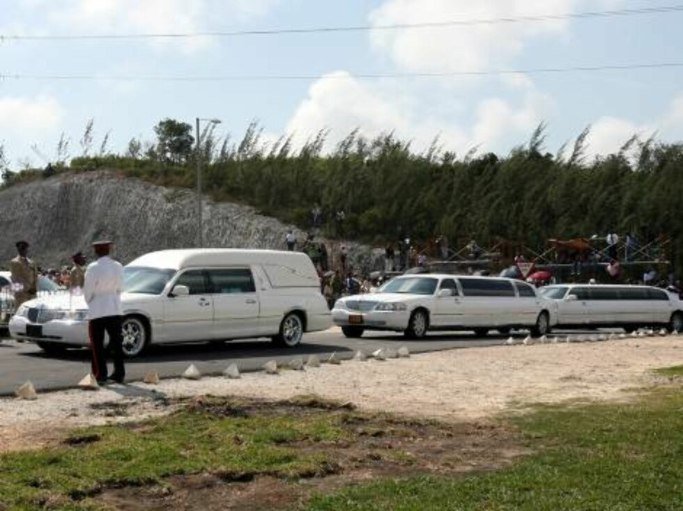 A funeral service was held for Anna Nicole Smith at the Mount Horeb Baptist Church in Nassau on March 2, 2007. Proceeds from the sale of these pictures will go to the Dannielynn Hope Irrevocable Trust  Pictured: Hearse   Ref: TAN 020307 S  <P Foto: All Over Press