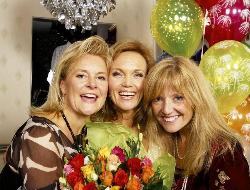 SANG SUSSEBASS: Bettan, Guri Schanke og Hanne Krogh var blant de ni kvinnene som sang for Kongen. Foto: Se og Hør