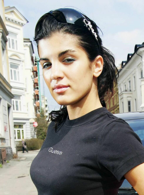 TRIVES PÅ LITE: 35 kvm er lunt nok for Aylar. Se og Hør har vært hjemme hos den tidligere glamourmodellen. Foto: Se og Hør