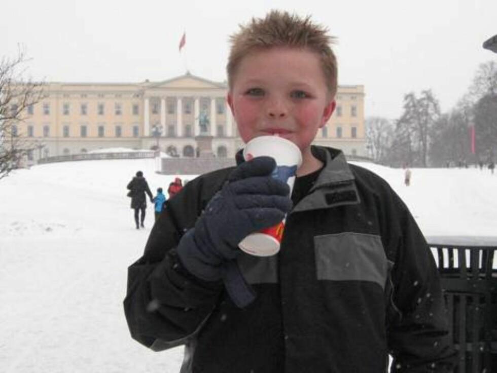 NOE GODT: Evan Brekke (10) vil gi kongen sjokolade. Og kanskje noen smykker. Eller hva med en hel gullsmed butikk? Foto: Seher.no, Sølvi Jeppesen Raast