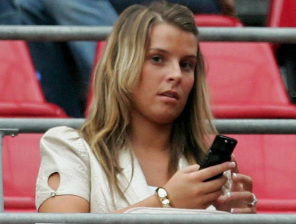 AMBISJONER: Shopping og tribuneliv er ikke nok for Coleen. Nå vil hun ha karriere også. Foto: All Over Press