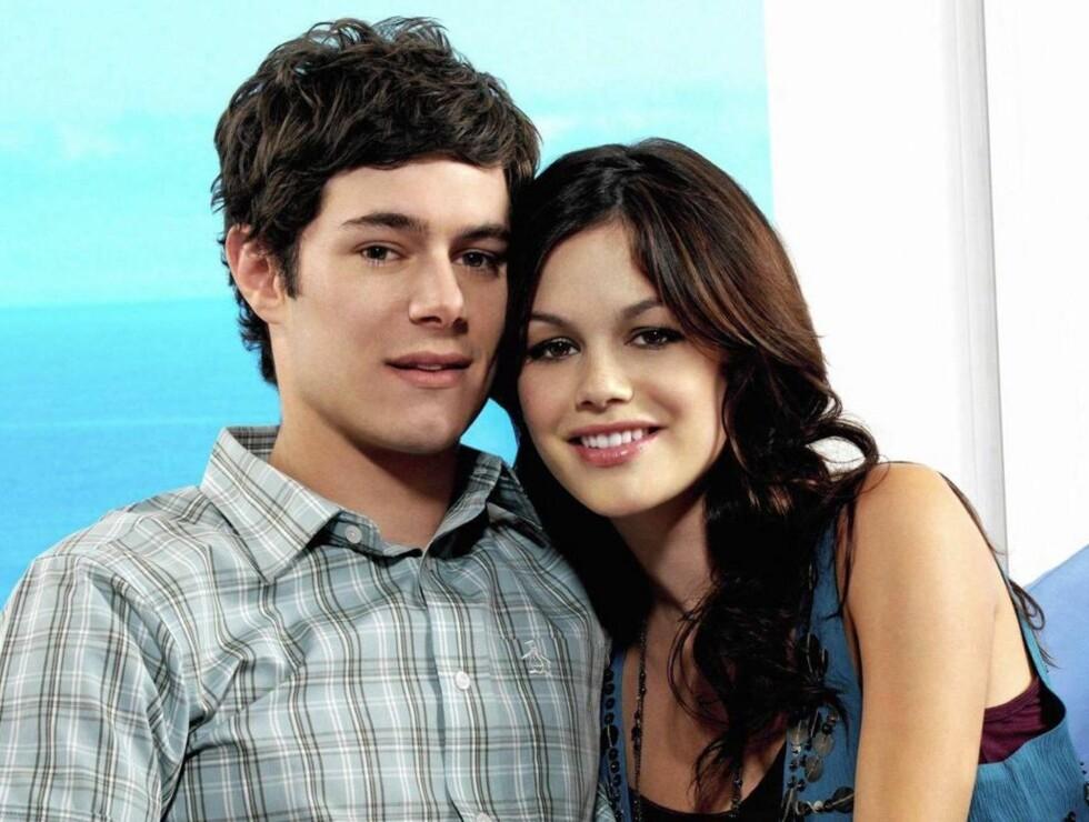 KJÆRLIGHETEN TOK SLUTT: Rachel Bilson og Adam Brody var i tre år kjærester både på TV og i virkeligheten.  Foto: FAME FLYNET