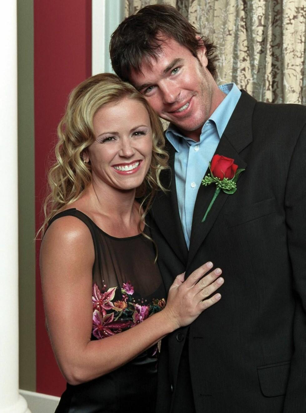 FORELSKET: Trista og Ryan møttes i den amerikanske versjonen av Ungkarskvinnen på TVNorge. Nå kommer barnet. Foto: TVNorge