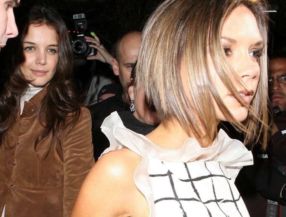 TAR KONTROLL: Posh har sett det som sin oppgave å fortelle Katie Holmes (på slep) hvordan hun skal kle seg. Foto: All Over Press