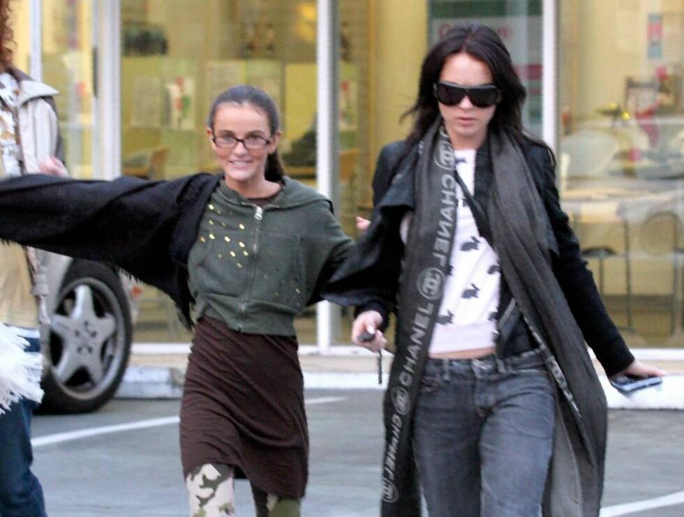 """SAMMEN: Aliana og Lindsay Lohan har et nært vennskap. Men Lindsay liker ikke tanken på at """"Ali"""" vil gå i hennes fotspor ... Foto: All Over Press"""