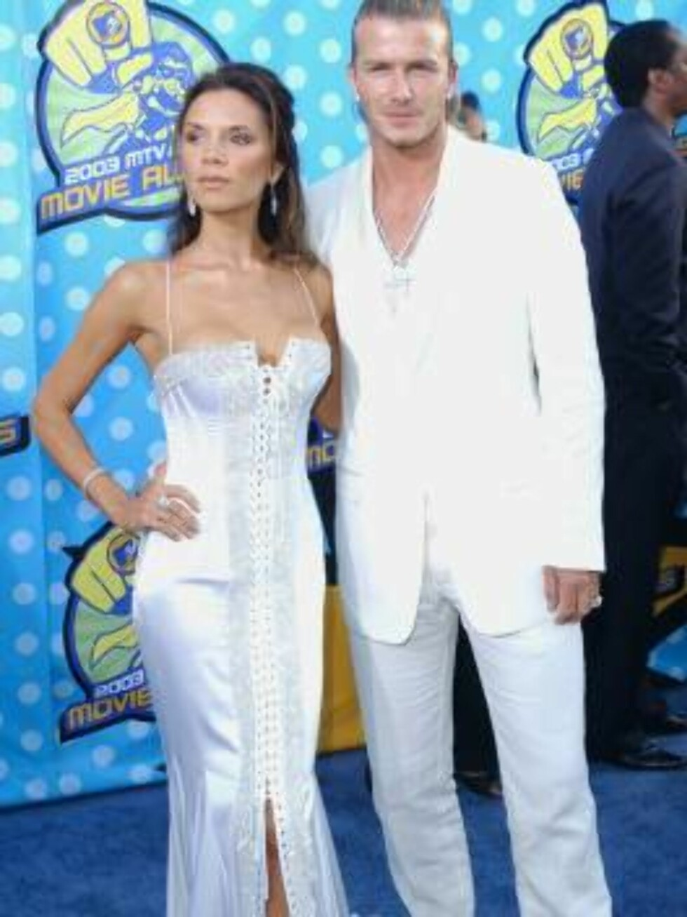LOS ANGELES - MAY 31: (FILE PHOTO - UK NEWSPAPERS OUT)  Victoria and David Beckham attend The 2003 MTV Movie Awards held at the Shrine Auditorium on May 31, 2003 in Los Angeles, California.   (Photo by Dave Hogan/Getty Images)  * SPECIAL INSTRUCTIONS: UK Foto: All Over Press