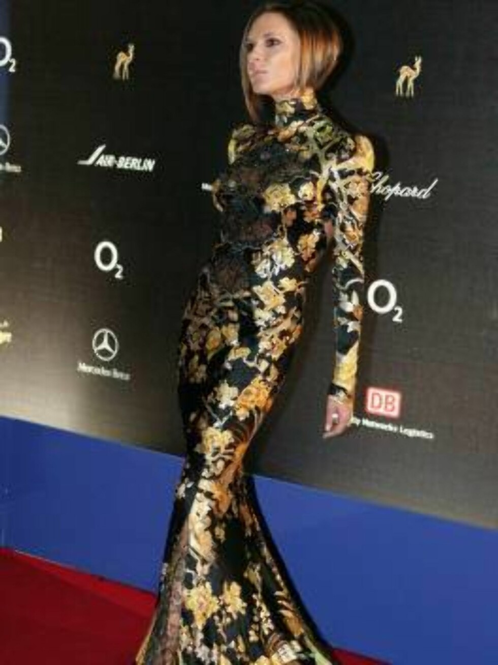 STUTTGART, GERMANY - NOVEMBER 30:  Victoria Beckham attends the 58th annual Bambi Awards at the Merceds-Benz Museum on November 30, 2006 in Stuttgart, Germany. Bambi is Germany's biggest and most important award show of the year.  (Photo by Ralph Orlowski Foto: All Over Press