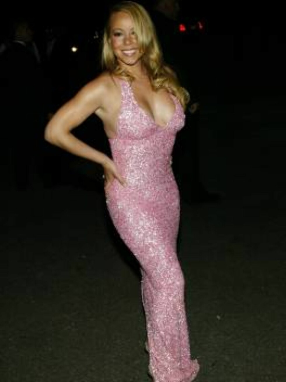 """NEW YORK - JUNE 3:  Singer Mariah Carey arrives at the Fresh Air Fund """"Salute To American Heroes"""" gala event June 3, 2004 at Tavern on the Green in New York City.(Photo by Evan Agostini/Getty Images) / ALL OVER PRESS50900295EA042_fresh *** Local Caption * Foto: All Over Press"""