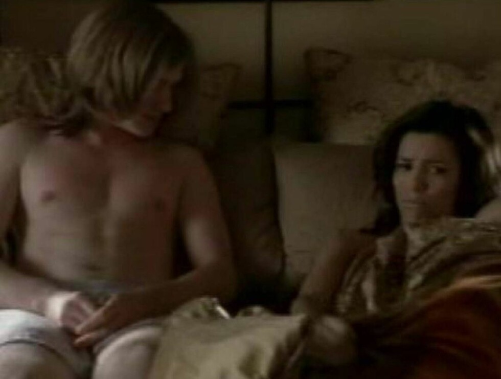 EVAs rollefigur Gabrielle skjønner ikke helt hvorfor hun deler seng med Zach! Foto: WENN