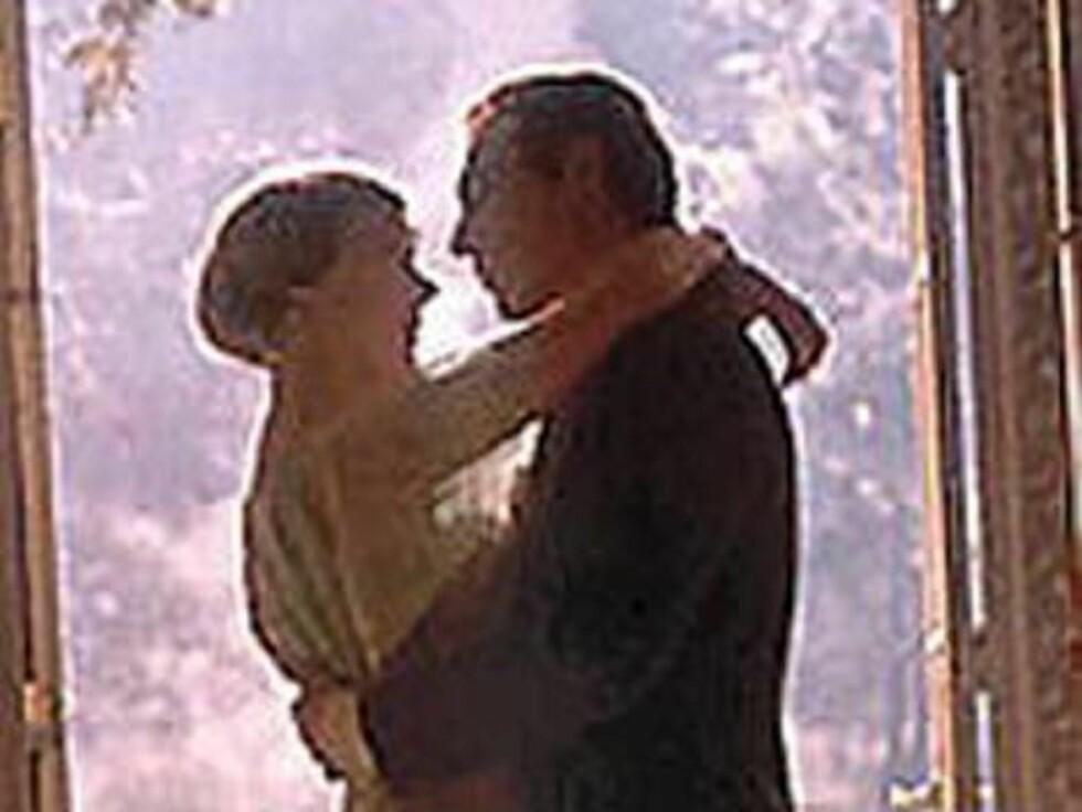 """Christopher Plummer og Julie Andrews i """"Sound of music"""". Foto: Filmweb"""
