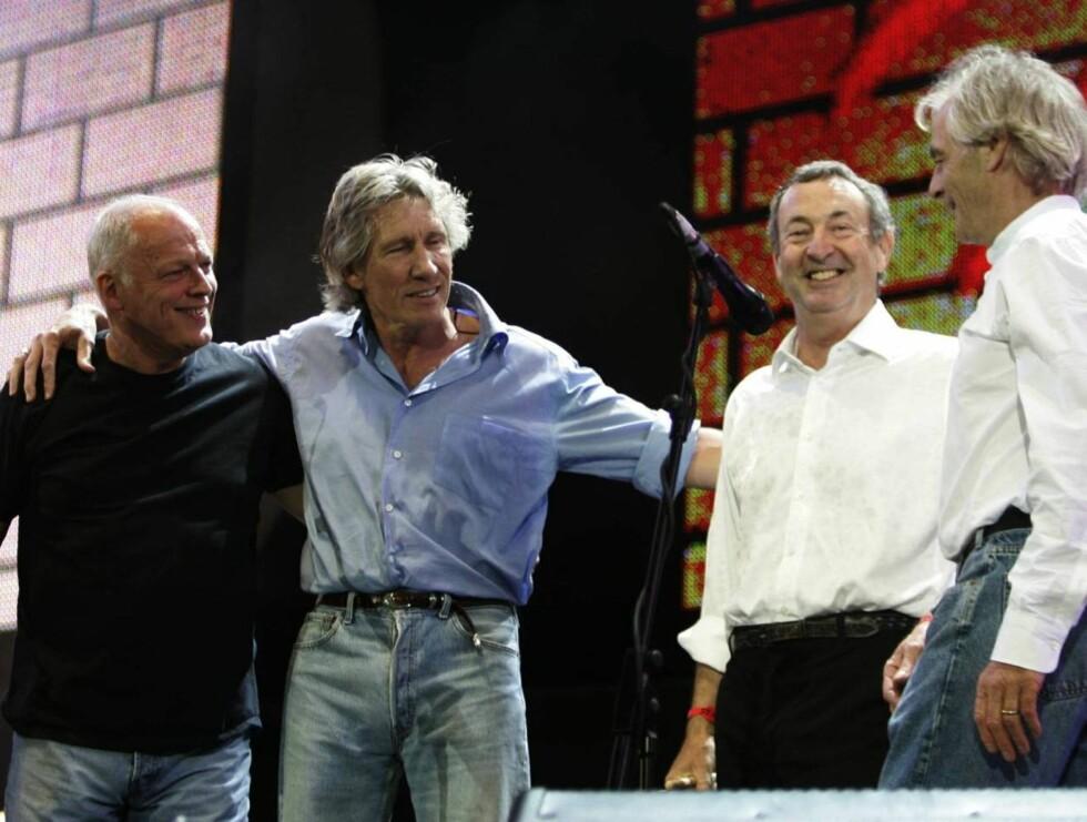 SAMMEN: I 2005 ble Waters, Gilmour, Mason og Wright gjenforent for en liten stund under Live8-konserten i London. Nå er de trolig tilbake! Foto: All Over Press