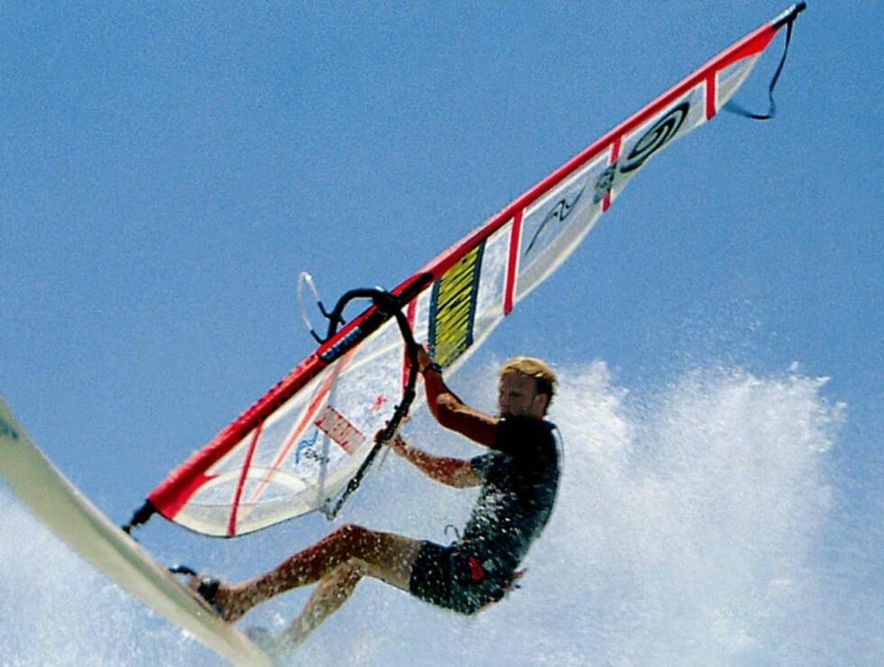MYE Å GJØRE: Man kan gjøre mye på Gran Canaria, som for eksempel å surfe! Foto: Se og Hør