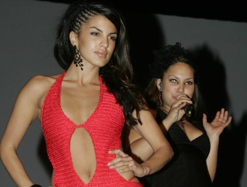 MOTEVENNINNER: Aylar og Mira stortrivdes sammen på catwalken under Oslo Fashion Awards. Foto: Stella Pictures