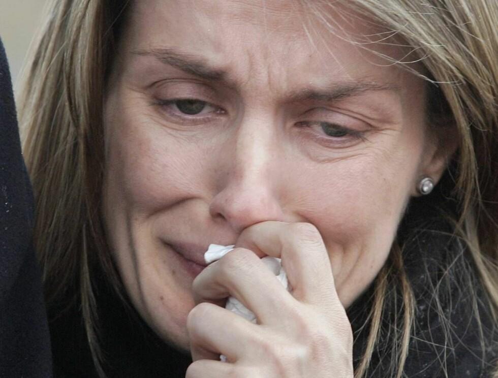 I DYP SORG: Letizia er trøstesløs etter at storesøsteren tok selvmord.  Foto: AP