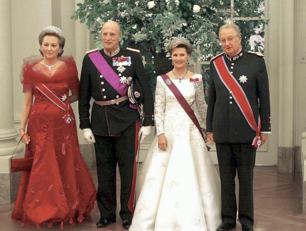 GODE VENNER: Harald og Sonja på statsbesøk hos sine gode venner Albert og Paola i Brussel for noen år siden.