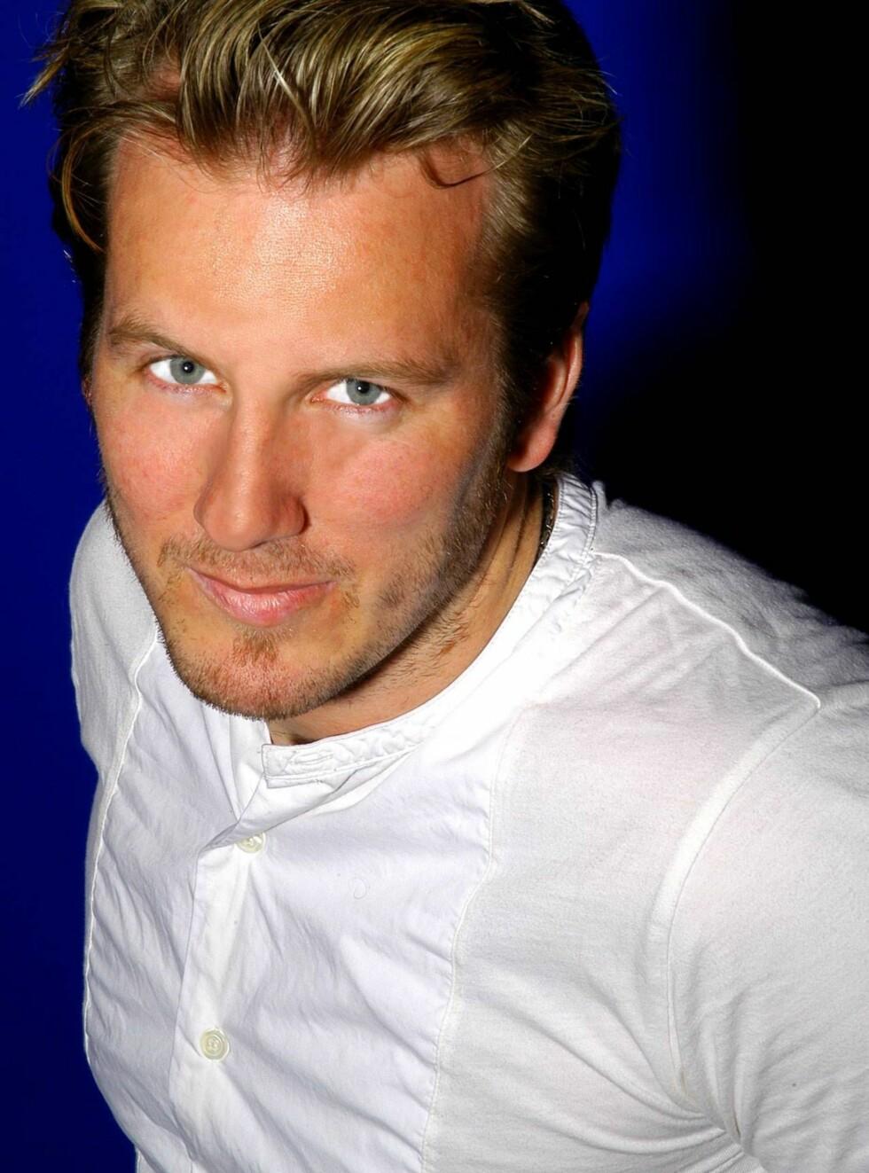 TVILLINGPAPPA: Det er slutt på ungkarslivet for Max Marius Almaas. Foto: TVNorge