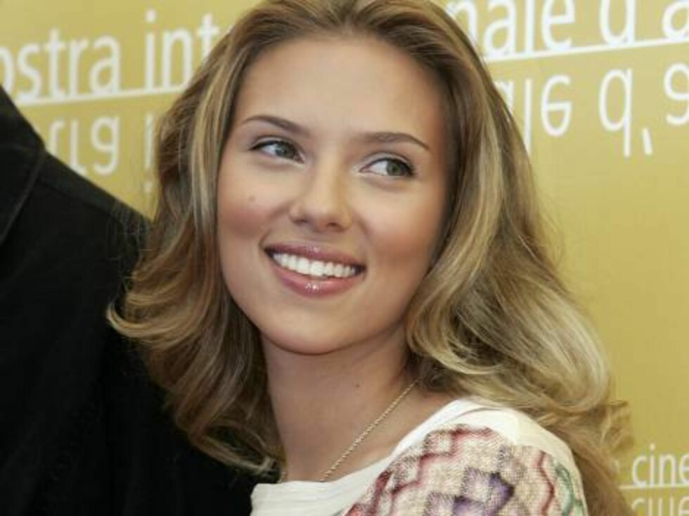 VENICE, ITALY - AUGUST 30:  US actress Scarlett Johansson attends a photo call of 'The Black Dahlia' on the first day of the 63nd Venice Film Festival on August 30, 2006 in Venice, Italy.  (Photo by Pascal Le Segretain/Getty Images) *** Local Caption *** Foto: All Over Press