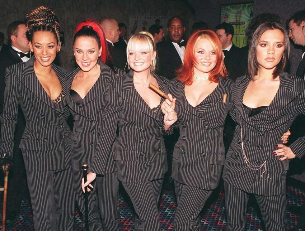 """FEM OM DAGEN: """"Spice Girls"""" sjokkerte mange da de dukket opp med BH-ene sine i London i 1997. Ti år senere lever fortsatt trenden jentene skapte ...  Foto: AP/Scanpix"""