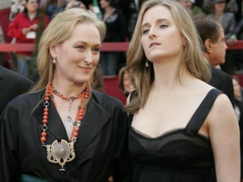OSCAR 2007: Hva er vel en Oscar-utdeling uten Meryl Streep? Hun har blitt nominert hele 14 ganger - og vunnet den to. Her er hun sammen med datteren Grace. Foto: AP/Scanpix