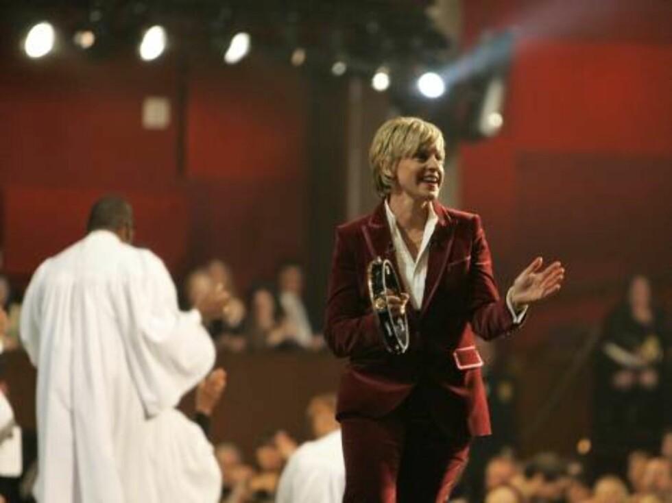 OSCAR 2007: Ellen DeGeneres fikk alle til å trekke på smilebåndet med entusiastisk tamburin-spilling. Foto: AP/Scanpix