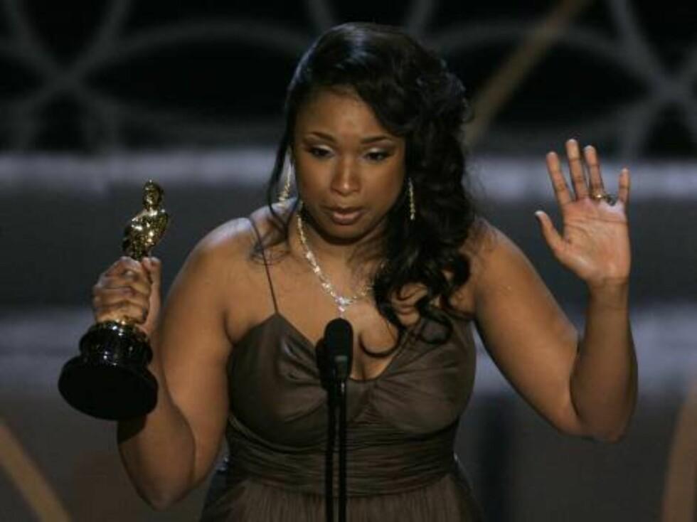 """OSCAR 2007: """"Dreamgirls""""-stjernen Jennifer Hudsons tårer rant da hun vant prisen for beste kvinnelige birolle.  Foto: AP/Scanpix"""