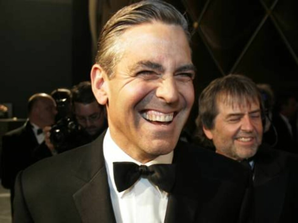 ** EMBARGOED AT THE REQUEST OF THE ACADEMY OF MOTION PICTURE ARTS AND SCIENCES FOR USE UPON CONCLUSION OF THE ACADEMY AWARDS TELECAST ** George Clooney walks backstage during the 79th Academy Awards Sunday, Feb. 25, 2007, in Los Angeles.  (AP Photo/Chris Foto: AP/Scanpix