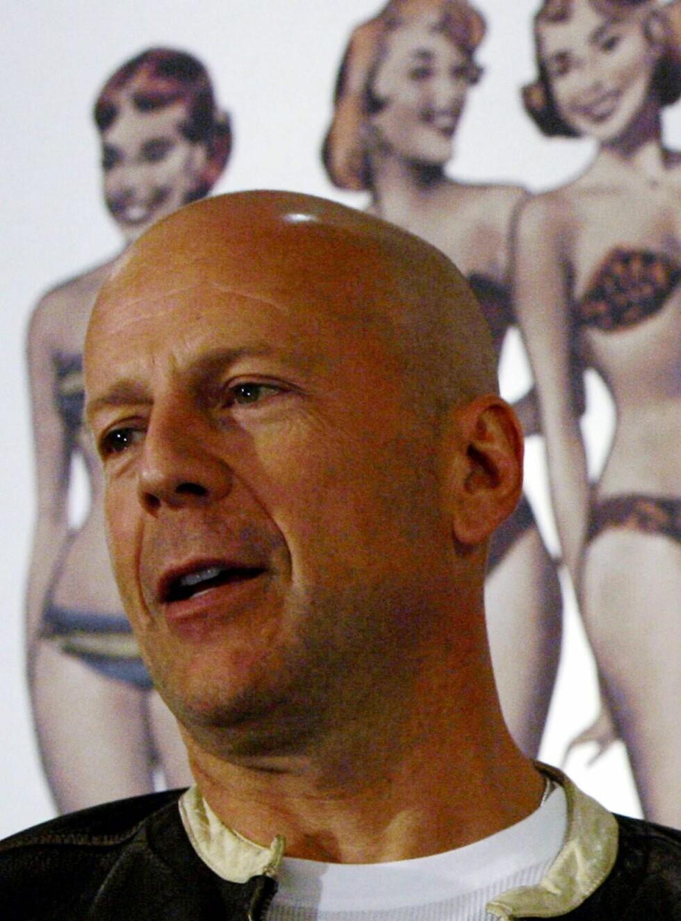 """KLAR: - Jeg vil ta meg bra ut, forteller Bruce Willis om hardtreningen i forkant av sexscenene i den nye """"Die Hard""""-filmen. Foto: AP/Scanpix"""