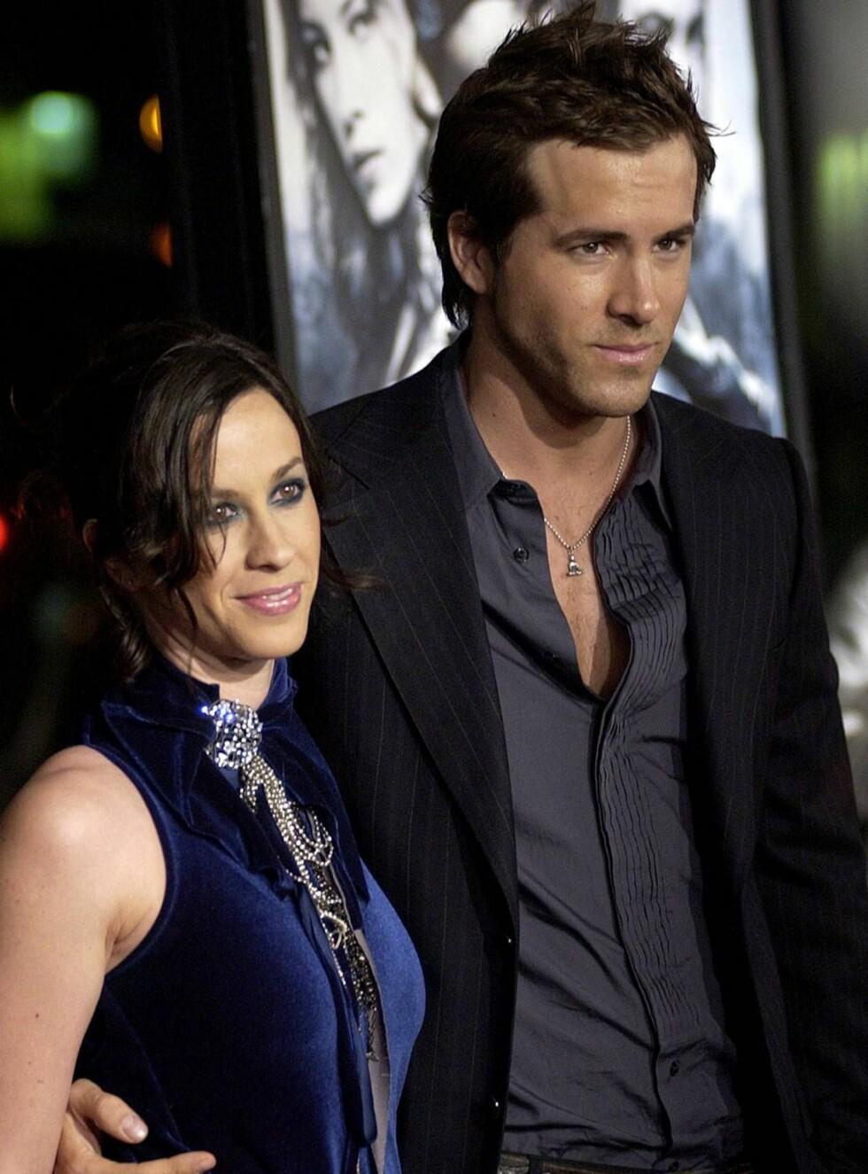 BRUDD: Alanis Morissette og Ryan Reynolds har brutt forlovelsen for andre gang. Foto: AP/Scanpix
