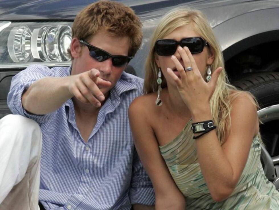 FORELSKET: Det er ingen tvil om at disse to er forelsket i hverandre... Foto: All Over Press
