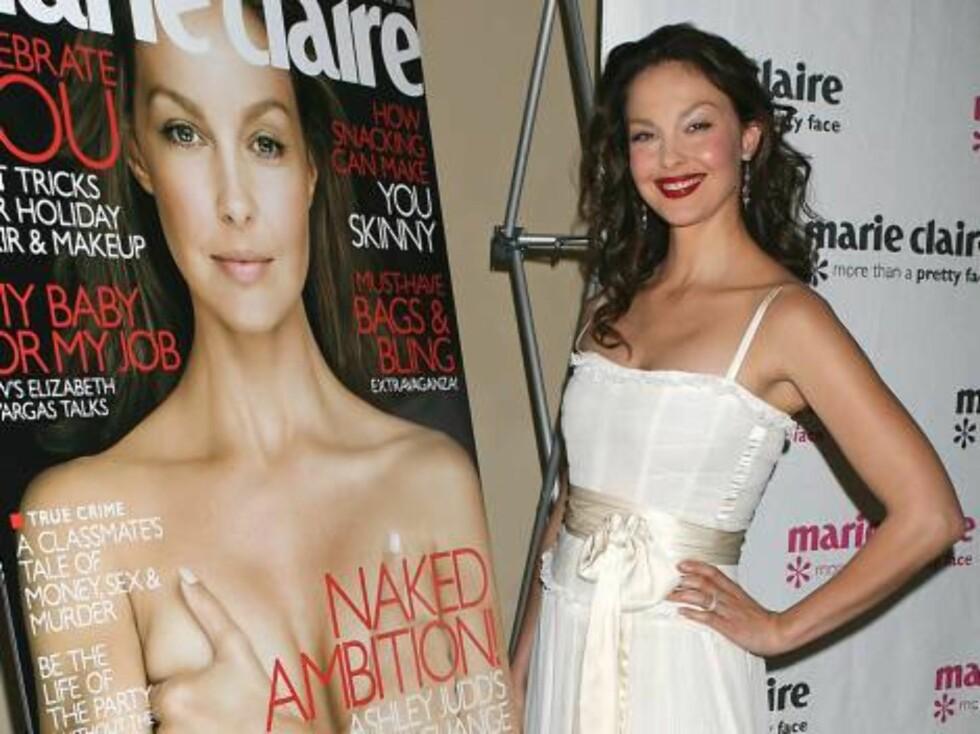 AVKLEDD: Ashley Judd stilte naken på forsiden av Marie Claire. Gjett om bladet solgte! Foto: All Over Press