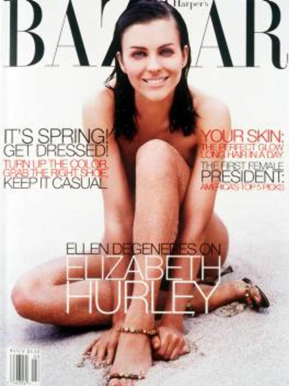 AVKLEDD: Elizabeth Hurley så sitt snitt til å kle helt av seg på forsiden av Harper's Bazaar. Det var et klokt karrierevalg ... Foto: Stella Pictures