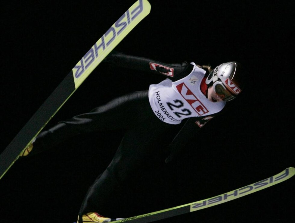 HOPPSTJERNE: Anette Sagen er norges desidert beste kvinnelige hopper! Nå trykker hun også til på stort lerret. Foto: SCANPIX