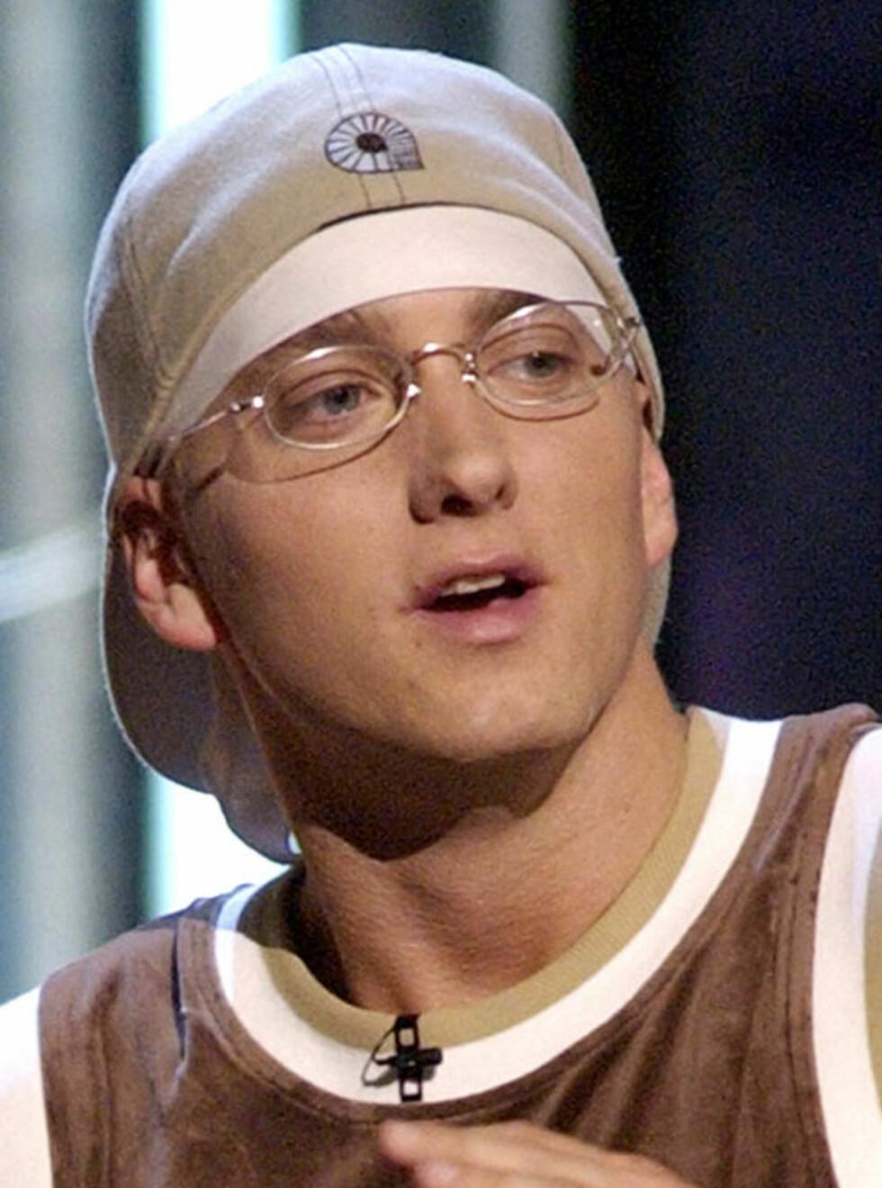 GIR IKKE OPP: Eminem har horder av kvinnelige fans, men tviholder på ungdomskjæresten Kim. Foto: AP/Scanpix