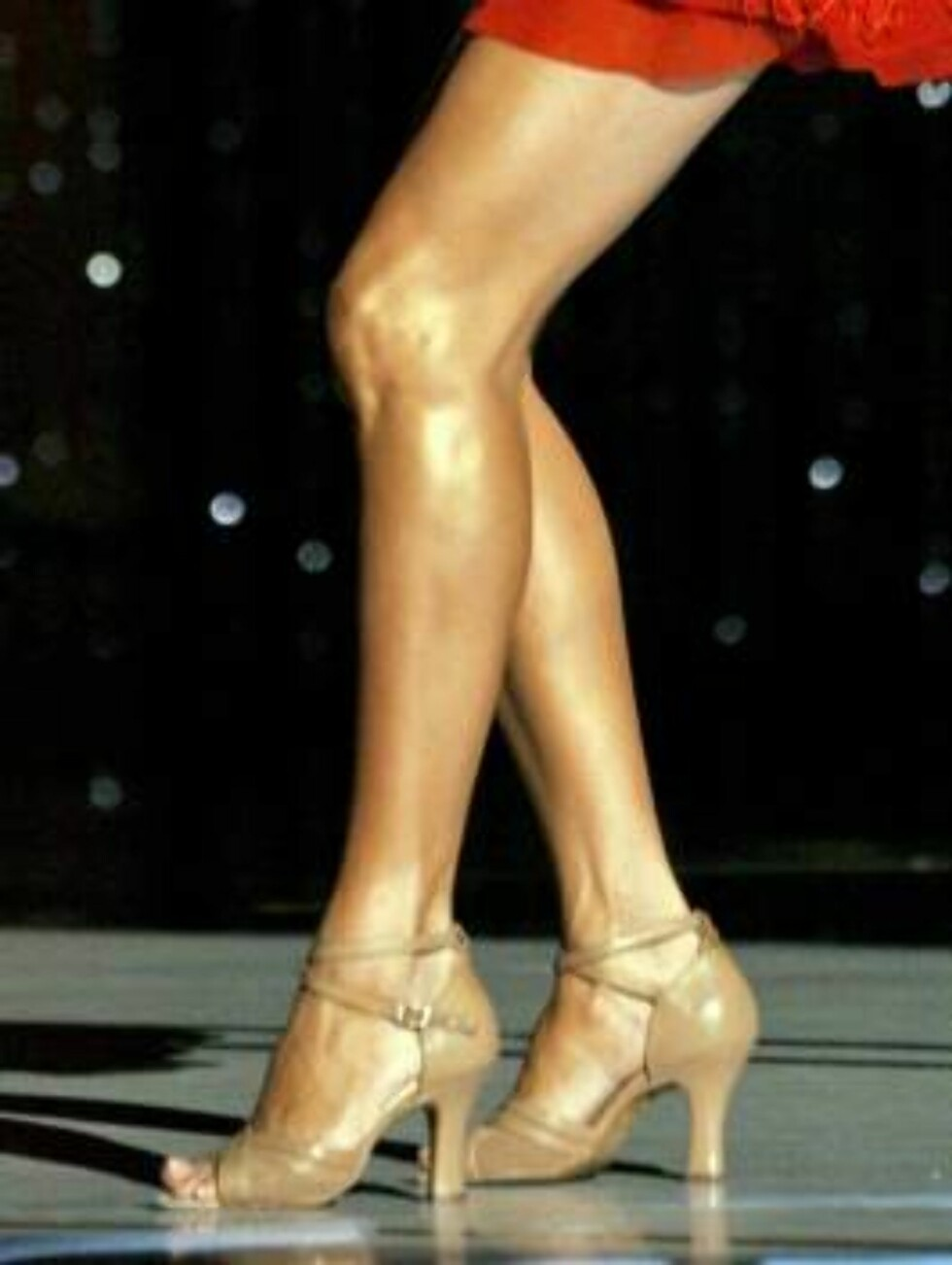 """PICTURES OF THE YEAR 2006Actress Eva Longoria performs at the 2006 """"NCLR Alma"""" awards at the Shrine auditorium in Los Angeles May 7, 2006. The National Council of La Raza (NCLR) gives out the ALMA awards to honor outstanding Latino artistic achievement in Foto: REUTERS"""
