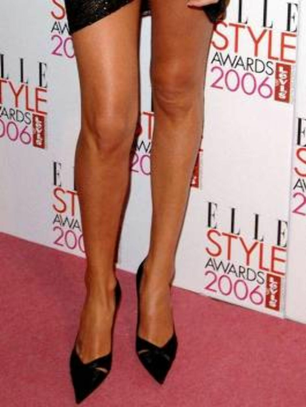 Actress Charlize Theron arrives for the Elle Style Awards 2006, from the Atlantis Gallery at the Old Trueman Brewery, east London, Monday Feb. 20, 2006.    (AP Photo/ Ian West/PA) Foto: AP