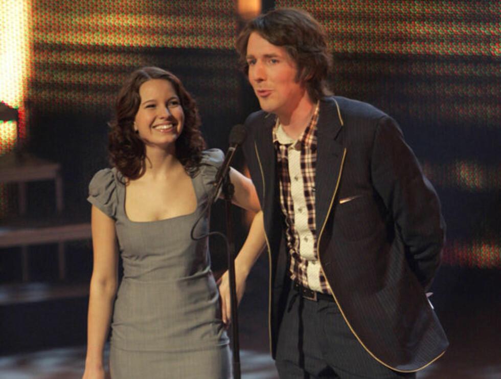 M2ODD: Marit Larsen hadde all grunn til å smile under Spellemannsprisen. Her sammen med Odd Nordstoga. Foto: SCANPIX