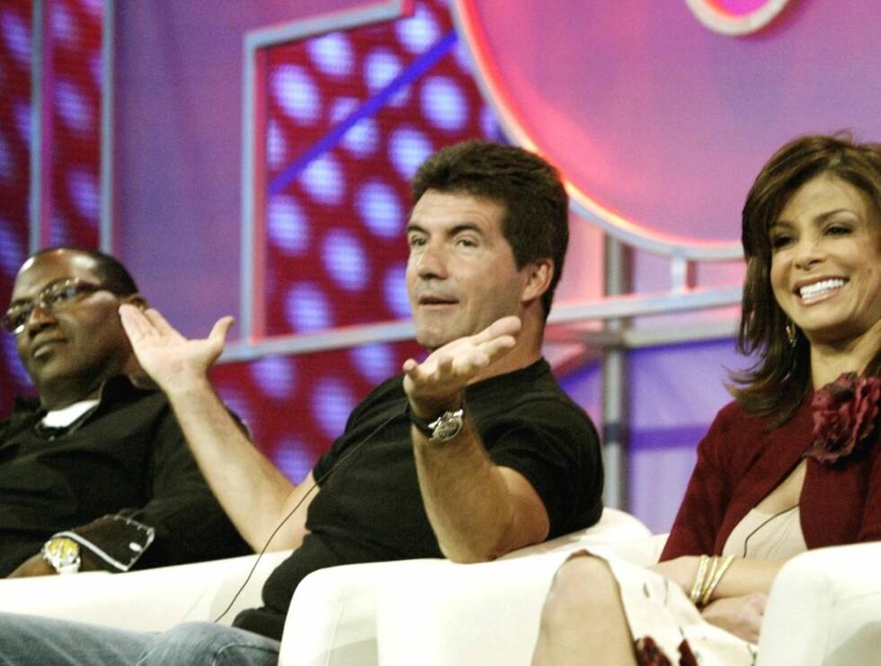 """DOMMERE: Randy Jackson, Simon Cowell og Paula Abdul blir værende i stolene sine. Courtney Love er ikke aktuell for produsenten bak """"American Idol"""". Foto: AP/Scanpix"""