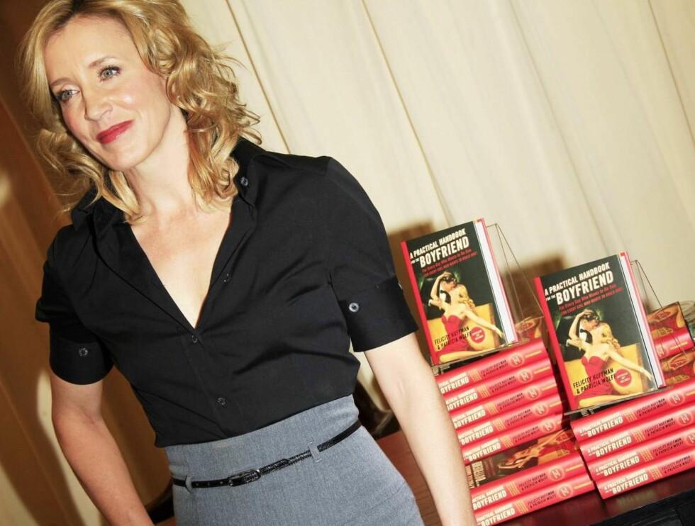 """LANGT FRA FRUSTRERT: Felicity har tjent seg søkkrik som Lynette Scavo i """"Frustrerte fruer"""". Nå kommer hun mest sannsynlig til å innkassere enda flere store summer. Foto: Stella Pictures"""