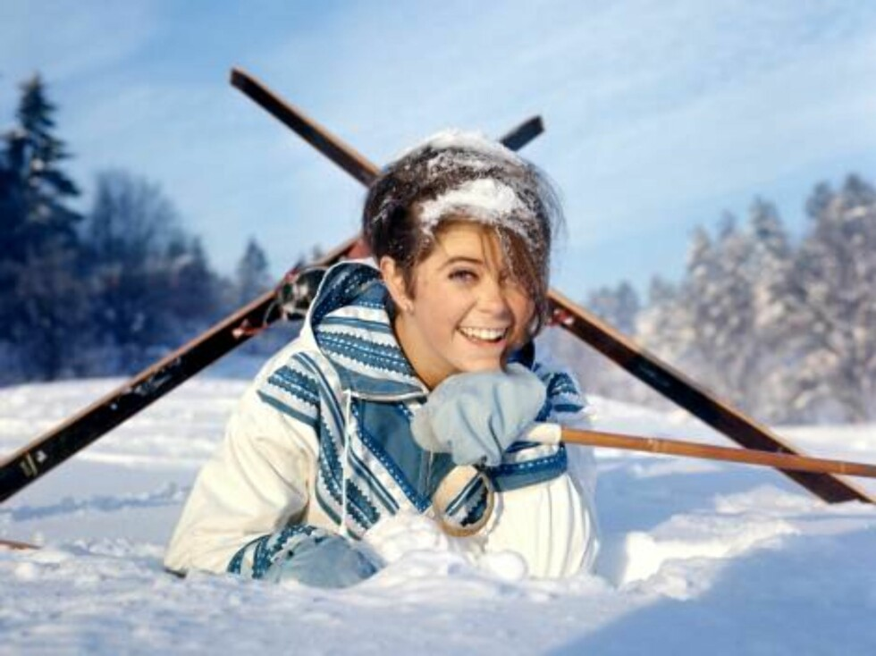 1968: Wenche stiller opp med ski for fotografene. Foto: SCANPIX