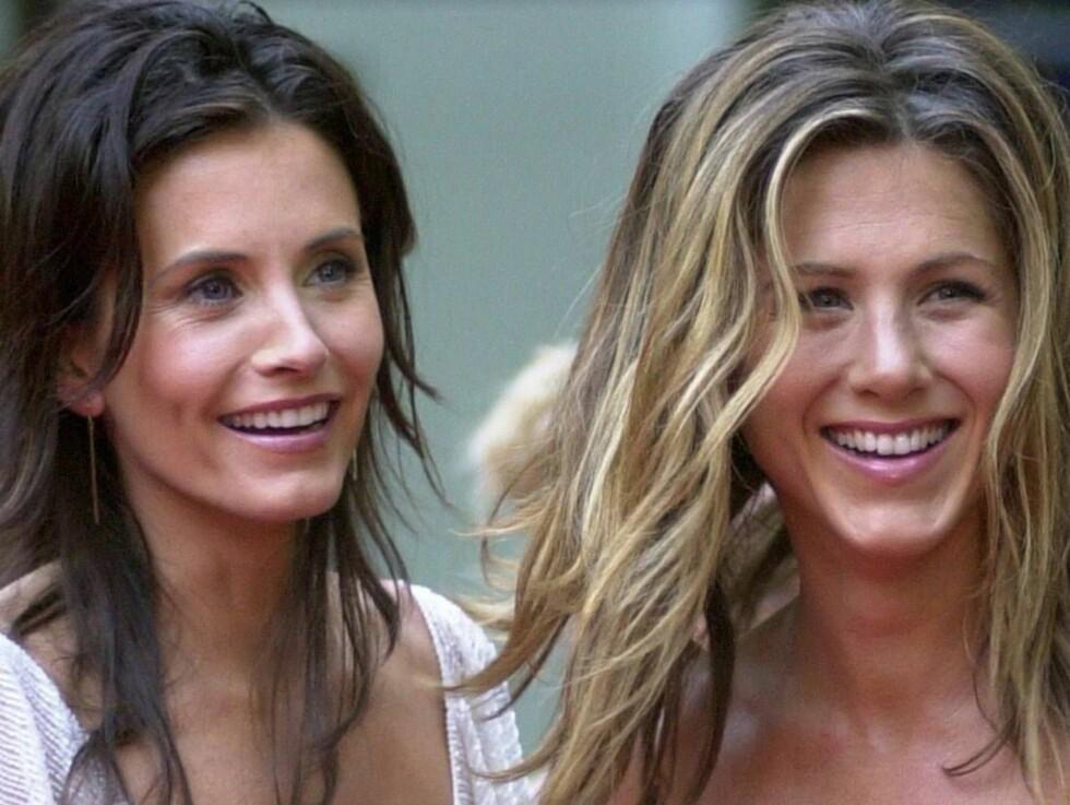 VENNER FOR LIVET: Courtney Cox har vært en enorm støtte for Aniston i tiden etter bruddene med Brad Pitt og Vince Vaughn. Foto: SCANPIX